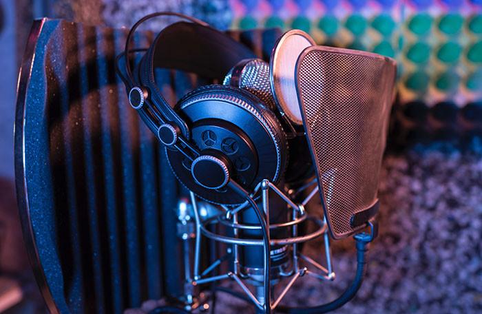 Comment Investir dans un micro pour un studio