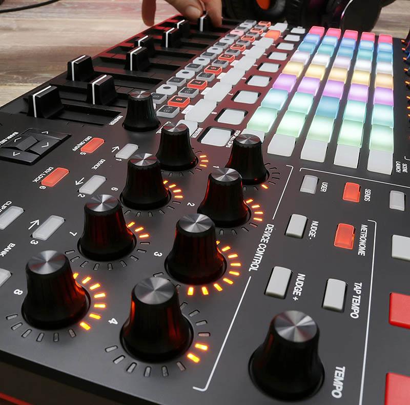 Tests des Meilleurs Contrôleurs MIDI