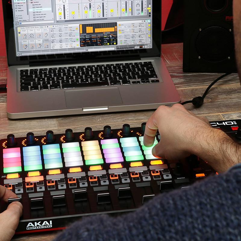 avis - AKAI Professional APC40 MKII – Contrôleur MIDI pour Ableton Live, USB Complet et Compact avec 40 Pads Retroéclairés