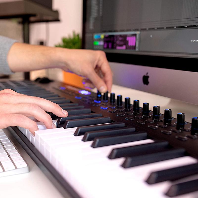 avis - Alesis VI49 – Clavier Maître USB-MIDI 49 Touches, 16 Pads