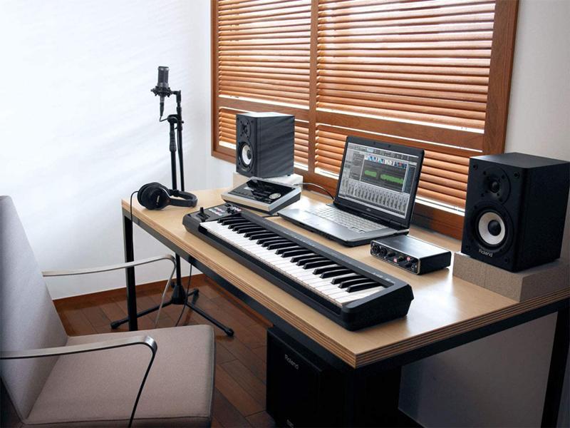 avis - Roland A-49 Clavier Contrôleur MIDI